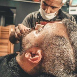 Arreglo de barba en hombres